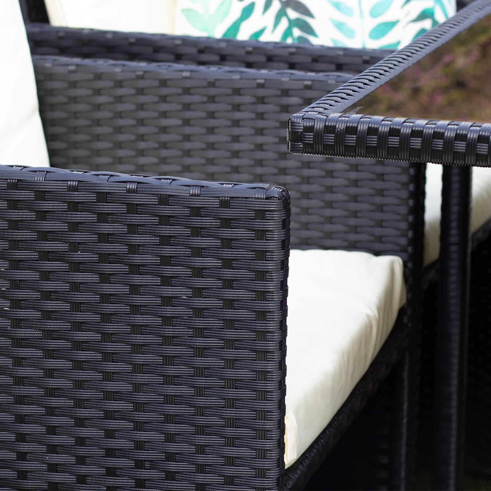 8seat-cube-set-black-lifestyle-chair-detail